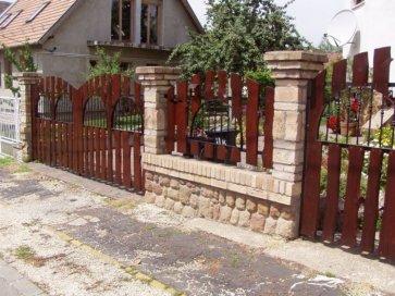 Kétszárnyú kovácsoltvas bejárati ajtó